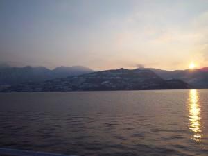 Crepuscolo sul lago d'Iseo, tra terra e cielo