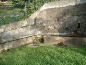 Il lavatoio di Amora Bassa, Aviatico, Altopiano di Selvino, Valli bergamsche