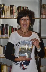 """Aurora Cantini a Bergamo con il romanzo """"Come briciole sparse sul mondo"""" in memoria delle vittime dell'11 settembre"""