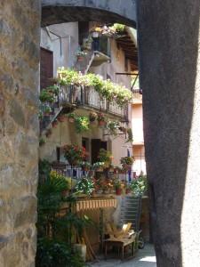 Bienno case e fiori