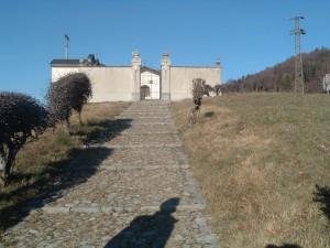 Il cimiterino solitario a Miragolo San Marco