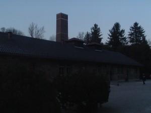 La ciminiera dei forni crematori a Dachau