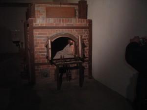 Particolare di un forno crematorio a Dachau