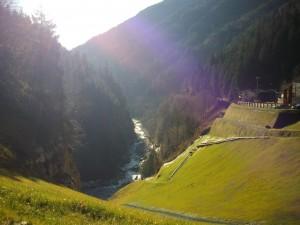 Il-torrente-Dezzo-Via-Mala-punto-panoramico