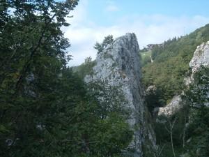 Il rifugio del Monte Poieto 1645 m visto dalla Cornagera