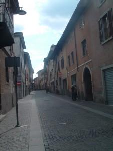 L'antica via centrale del paese di albino: Via Mazzini