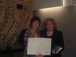 Aurora Cantini con la Presidente di Giuria V Premio Iannucci Mazzoleni, Lilia Slomp Ferrari