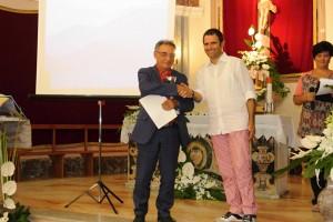 Il poeta Salvatore Mezzopane riceve il premio per conto di Aurora Cantini