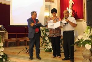 Il poeta Salvatore Mezzopane e il Presidente di Giuria professor Antonino Foti