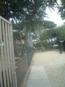 L'ex Colonia Marina Cardinal Schuster a Cesenatico oggi, il vialetto alla spiaggia