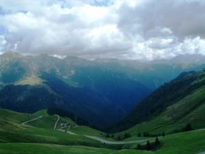 La terza punta è il monte Secco e più a dx il monte del Tonale