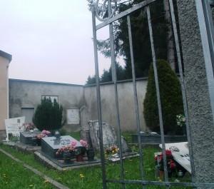 Cimitero di Ganda Frazione di Aviatico