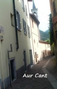 L'altro capo del Vicolo Gambarelli con l'accesso alla chiesa