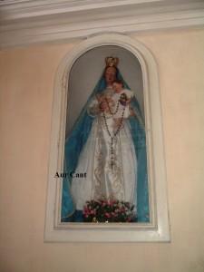 La Madonna del Rosario vestita, usata fino al 1947 poi sostituita da quella nuova nella chiesa di San Rocco ad Aviatico