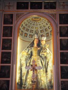 La Madonna vestita della chiesa di Amora di Aviatico con il vestito verde