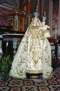 Madonna vestita della chiesa di Amora di Aviatico, Bergamo