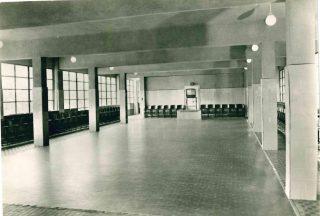 Il salone aula magna creato dove prima c'era la piscina, ora interrata