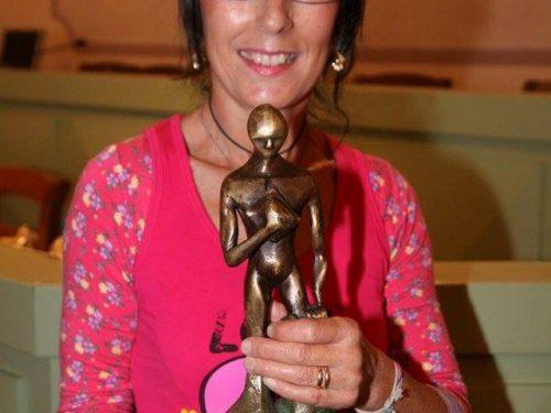 L'Anima in Versi premia Aurora Cantini con la statuetta dell'Oscar