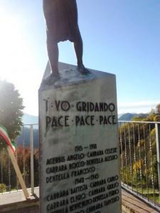 Monumento ai Caduti di Aviatico: particolare