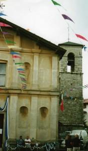 Foto 7 La Chiesa con la facciata rovinata