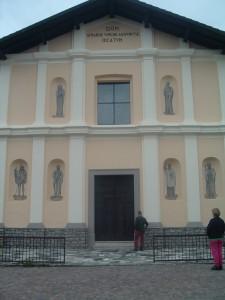 Foto 8 La chiesa con la facciata restaurata
