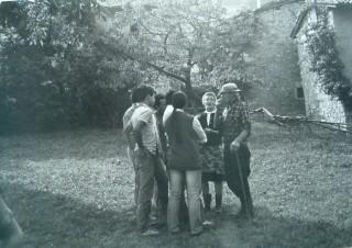1950 Sul piasòl davanti alla casa del Meròl