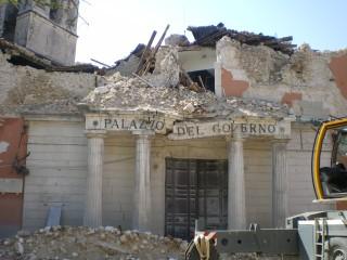 L'Aquila_eathquake_prefettura FONTE WEB