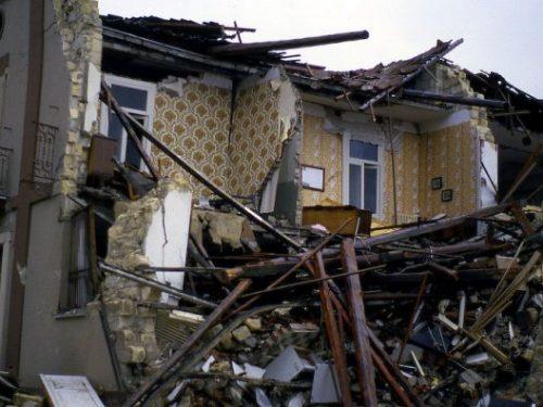 """6 aprile 2009, quando il terremoto """"venne nel mezzo della notte, a tradimento…"""""""