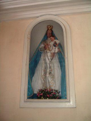 FOTO 12 L'originale Madonna del Rosario vestita, usta fino al 1947 poi sostituita da quella nuova