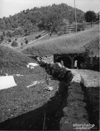 Il lavatoio vicino alla chiesa di San Rocco, Aviatico