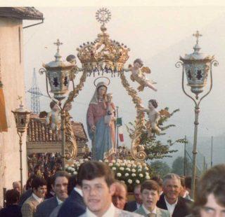 processione ottobre 1973