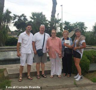 Corrado Dentella, Mileto Manzù, la signora Inge, Valeria Dentella e Nives Dentella ad Ardea, agosto 2016