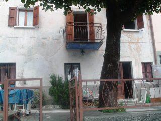 La casa in Aviatico in cui soggiornava Manzù