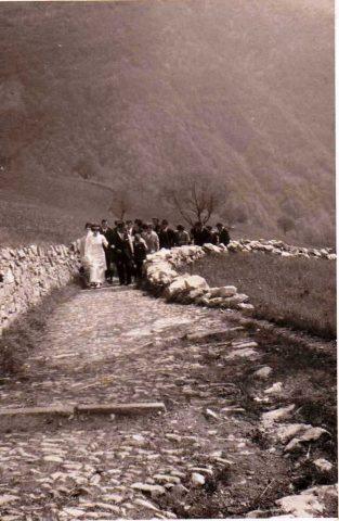 32a Le arnèle della mulattiera di Amora Bassa e la sposa Giusi del Ceserì, anno 1967