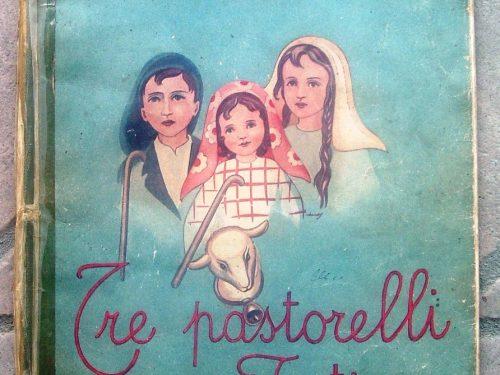 Quel piccolo vecchio libro sui tre pastorelli a Fatima pubblicato nel 1945