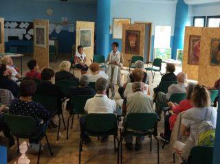 L'onorevole Valentina Lanfranchi legge le poesie dei carcerati