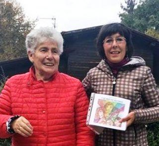 Aurora Cantini con il libro I QUARZI  DI SELVINO e con la signora Angiolina Bertocchi