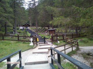 Cimitero austriaco di Sorgenti, l'ingresso