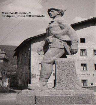La statua dell'Alpino di Brunico nella sua imponente e fiera integrità