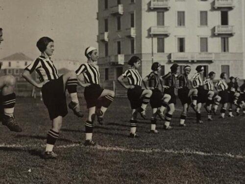 Erano ragazzine che volevano solo giocare a calcio…